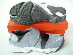 Nike Rift Shoes Nike Air Rift Grey White Black [Nike Air Rift - You will enjoy yourself very much with the Nike Air Rift Grey White Black shoes. These shoes are characterized with softness, durability, breathability and flexibility. Nike Air Rift, New Style Shoes, Nike Air Max Sale, Nike Shoes, Roshe Shoes, Nike Roshe, Shoes Outlet, Slip On Sneakers, Sports Shoes