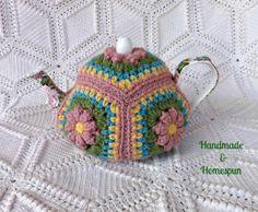 Floral Granny Square Tea Pot Cozy from… Crochet Kitchen, Crochet Home, Crochet Yarn, Crochet Flowers, Tea Cozy, Coffee Cozy, Teapot Cover, Tea Cosies, Cozies