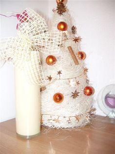 Biely čokoládový likér - recept Christmas Ornaments, Holiday Decor, Ale, Alcohol, Christmas Jewelry, Ale Beer, Christmas Decorations, Christmas Decor, Ales