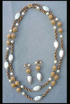 1960s vintage Bergere necklace and earrings; a lovely demi parure in gold tone and faux pearl. Minty and ready for the party. The beautiful double