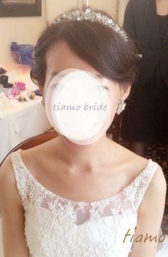 シニヨン&サイドダウン♡美人花嫁さまのフェミニンな2スタイル |大人可愛いブライダルヘアメイク『tiamo』の結婚カタログ