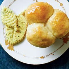 Icebox Dinner Rolls - These look like the ones my grandmother made every Thanksgiving