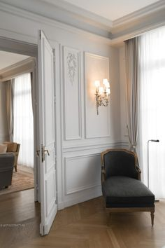 """Located on the prestigious Avenue Hoche, Le Royal Monceau embodies the Parisian """"je-ne-sais-quoi"""" in all of its spontaneity and culture. Design Apartment, Apartment Goals, Parisian Apartment, Royal Monceau, Interior Design Minimalist, My Ideal Home, Cozy Place, Home Pictures, Cozy House"""