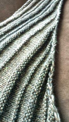 Neutral Knit Down- Quaker Yarn Stretcher Boomerang