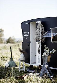 Gelatina de Plata: Mercadillo vintage en forma de caravana kara roselund