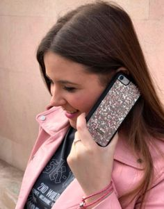 funda-bling-bling-plateado Samsung, Iphone, Straightener, Bling Bling, Beauty, Mobile Cases, Cosmetology