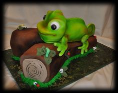 Cakes by Susan - Characters cakes, cartoon character cakes, movie cakes. Tangled Movie, Tangled Party, Tangled Birthday, Frog Cakes, Cupcake Cakes, Cupcake Ideas, Fondant Cakes, Cup Cakes, Lizard Cake