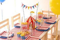Festa a tema circo per una serata in famiglia Circus Party Decorations, Circus Carnival Party, Circus Theme Party, Carnival Birthday Parties, Circus Birthday, Birthday Party Themes, Vintage Carnival, Vintage Circus, Clown Party