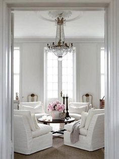 decorista daydreams - white dining room