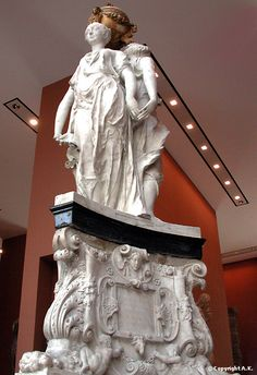 Germain Pilon et Domenico del Barbiere (Dominique Florentin): Les Grâces  (1561-1562): Monument du coeur du roi Henri II (1519-1559)