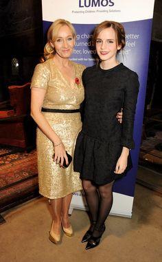 Et quand Hermione et JK Rowling se sont retrouvées ensemble au même événement, comme de vieilles amies se réunissant le temps d'un dîner. | 19 fois où les stars de Harry Potter ont fait des choses de moldus