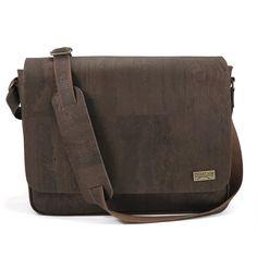 Messenger bag brown - shop for vegan cork bags by CorkLane Vegan Fashion, Green Fashion, Cork Purse, Cork Material, Cork Fabric, Shoulder Pads, Sustainable Fashion, Vegan Leather, Messenger Bag