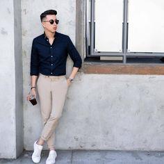 Mens Style Discover 8 Things All Stylish Guys Secretly Do - Mens Fashion Secrets Trendy Mens Fashion, Stylish Mens Outfits, Mens Fashion Blog, Mens Fashion Suits, Men's Fashion, Fashion Watches, Fashion Sale, Fashion Outlet, Men's Formal Fashion