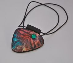 Batika na šperku z fima doplněná Swarovski kamínkem Polymer clay pendant Šárka Štefančíková