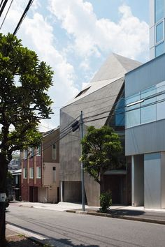 House in Minami-Azabu by Hitoshi Wakamatsu Architect and Associates