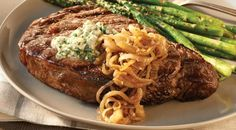 Check out this delicious recipe for Salt and Pepper Rib Eye Steaks with Blue Cheese Butter and Caramelized Onions from Weber—the world& number one authority in grilling. Bbq Beef Ribs, Ribs On Grill, Beef Steak, Bbq Grill, Barbecue, Roast Beef Recipes, Grilling Recipes, Meat Recipes, Seafood Recipes