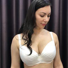 Волосатые киски (64 порно видео)