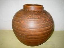 Kähler (Herman A. Kähler) vase. H: 16 cm D: 15,5 cm from 1930s. Signed HAK. #kahler #ceramics #pottery #hak  #dansk #keramik #vase #danish