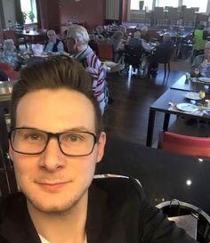 Universitários trocam moradia gratuita por companhia e serviços prestados para idosos de asilo na Holanda
