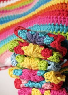 Summer+Crochet+for+Mom   If you've never tried to crochet you have to pop over to Lucy's blog ...