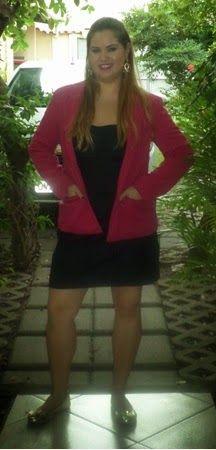 Minha musa: VESTIDINHO JEANS  Vestido jeans com blazer rosa pink e sapatilhas pra ficar formal e confortável.
