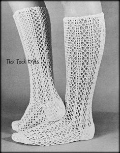 Vintage retro knee high lacy women's cotton socks - loved it when I could wear these & forget the thick wool tights! Lace Socks, Crochet Socks, Cotton Socks, Cotton Crochet, Crochet Lace, Women's Socks, Knitted Slippers, Crochet Granny, High Socks