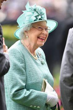Hm The Queen, Royal Queen, Her Majesty The Queen, Save The Queen, Elizabeth Queen Of England, Queen Elizabeth Ii, Queen Hat, King Queen, Prince Charles And Diana