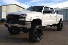 2005 Chevy Duramax 😍 nothin like a diesel Chevrolet Silverado, Chevy Duramax, Chevy Pickups, Chevrolet Trucks, Lifted Cars, Lifted Chevy Trucks, Gm Trucks, Diesel Trucks, Truck Mods
