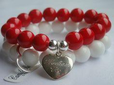 """https://www.facebook.com/pages/Camila-Ross-Design/353092698126309 Jadeit czerwony zdobiony srebrnymi(próby 925) kulkami oraz zawieszką sercem.Na zawieszce został wykonany grawer: """"Kocham Cię"""" Agat biały zdobiony srebrnym(próby 925)konturem serca"""