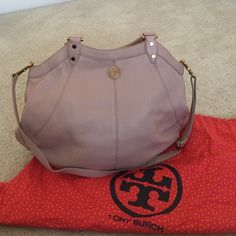 Tory Burch purse Only used once. Dusty rose color / gold. Comes with a removable shoulder strap. Tory Burch Bags Shoulder Bags