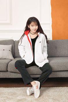 IU looking pretty af Cute Korean, Korean Girl, Asian Girl, Iu Fashion, Asian Fashion, Fashion Outfits, Korean Celebrities, Korean Actors, Korean Actresses