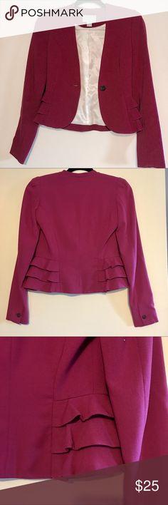 Waist blazer ..with side ruffles.I H &M Waist blazer ..with side ruffles.In excellent condition . Size 2 H&M Jackets & Coats Blazers