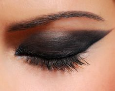 Learn how to make your eyes look stunning and dramatic.