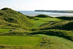 Old Course, Lahinch, Ireland / SCENIC GOLF HOLES
