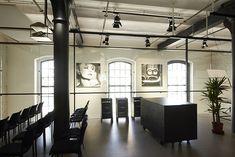 Loftová prodejna Megapixel Praha Holešovice / Industrial store in Prague #store #shop #loft #industrial #architecture
