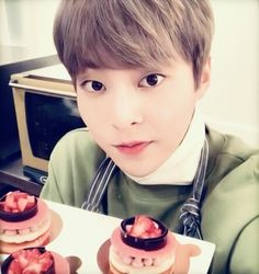 Minseok = love of my life Exo Xiumin, Kim Min Seok, Xiu Min, Wu Yi Fan, Boyfriend Material, Foto E Video, Chen, Boy Bands, Kpop