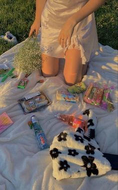 Nature Aesthetic, Summer Aesthetic, Aesthetic Food, Aesthetic Indie, Picnic Date, Summer Picnic, Beach Picnic Foods, Comida Picnic, Summer Dream