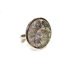 Just Lovely ! Swirl Texture Ring