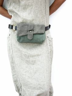 Leather and canvas Hip Bag Bum Bag Fanny Pack Unique door RuthKrausWhat are belt bags? How do you wear belt bags? Where to buy belt bags? Belt bag a fanny pack? I stumbled across waist belt bags and instantly fell in love! I love that these waist bag Pochette Portable, How To Wear Belts, Sacs Design, Diy Mode, Bum Bag, Green Bag, Braided Leather, Handmade Bags, Belt Bags