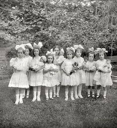 "Vintage photo of little girls with dolls attending ""Dorothy's party, Washington, D., July Vintage b&w photo Vintage Children Photos, Vintage Girls, Vintage Pictures, Old Pictures, Vintage Images, Old Photos, Antique Photos, Vintage Photographs, Shorpy Historical Photos"