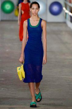 Boss Spring 2017 Ready-to-Wear Fashion Show - Yasmin Wijnaldum