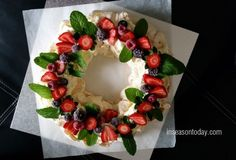 Berry Christmas Wreath Video Tutorial | The WHOot