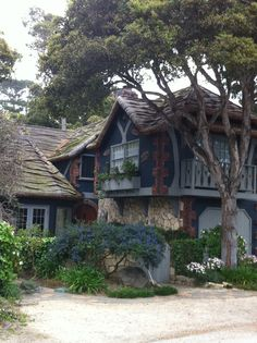 Carmel, CA a fairytale town :) Carmel California, Places In California, Northern California, Storybook Homes, Storybook Cottage, Beautiful Buildings, Beautiful Homes, Beautiful Places, Tudor House
