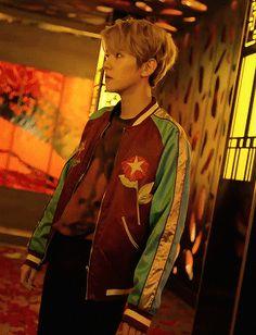 Baekhyun // SKECHERS SWEET MONSTER (4/4)