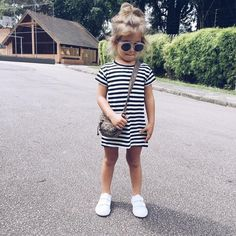 Ideas for fashion kids girl outfits stripes Little Girl Outfits, Toddler Outfits, Toddler Jeans, Little Girl Fashion, Toddler Fashion, Toddler Girl Style, Noora Style, Kids Girls, Baby Kids