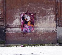 On the streets of Paris Street Art Love, Bee Free, Bansky, Letter B, Paris Street, Community Art, Urban Art, Graffiti, Art Pieces