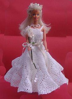 Barbie Bridal, Barbie Wedding Dress, Wedding Doll, Barbie Dress, Doll Dresses, Crochet Barbie Patterns, Crochet Doll Dress, Crochet Doll Clothes, Knitted Dolls
