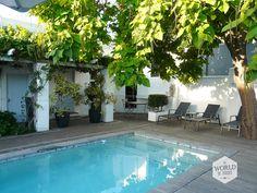 Ashbourne House in Franschhoek: de slaapkamers zijn ruim en luxe en achter het huis bevindt zich een klein zwembadje.