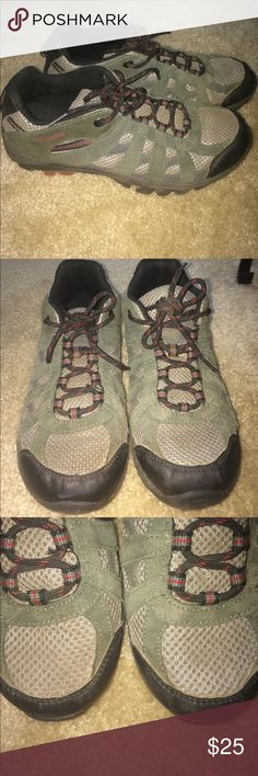 Columbia Redmond Low Hiking Shoe, Size 7 In great shape! Some dirt on the soles, and very minimal wear throughout. I tried to capture any flaws in the photos, and there are no holes/structural issues. Size 7, fit pretty true to size if not a little roomy to account for hiking socks. Very dark green in color. Great sturdy and grippy shoe for hiking! Offers considered!! Columbia Shoes Athletic Shoes