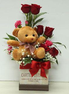 Gif flores y osos Valentine Bouquet, Valentines Flowers, Valentine Day Wreaths, Valentine Crafts, Valentine Day Gifts, Flower Box Gift, Flower Boxes, Valentine Flower Arrangements, Floral Arrangements